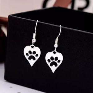 Jewelry - Paw Earrings